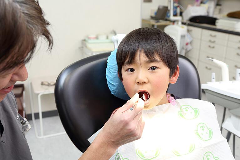 虫歯は感染症であるという見地から、虫歯になりにくい口内環境をお子さまのうちから作っていきます。